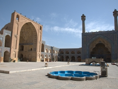 At more than 20,000 square meters, Jameh Mosque is the biggest in Iran