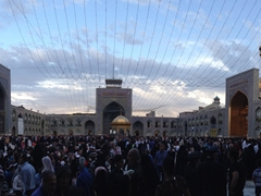 Thousands of pilgrims arrive to pay their respects to Imam Reza; Mashhad
