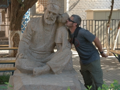 Robby joins the whispering statue in Turpan