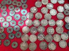 Chinese coins for sale; Jiaohe souvenir shop