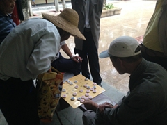 Playing xiangqi (Chinese Chess) at Daguan Park