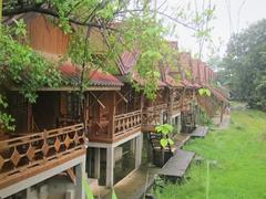 Nam Song river bungalows; Vang Vieng