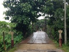 4000 kip toll bridge fee for pedestrians; Vang Vieng