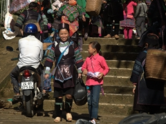 We found most people in Sapa to be very friendly and happy with lots of smiles to go around