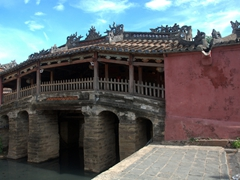 16th century covered Japanese Bridge; Hoi An