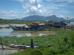 River scene at Thanh Ha