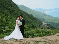 Wedding photo at Hai Van Pass