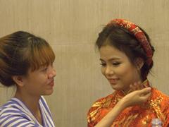 Preparing for wedding photos in romantic Hoi An