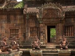 Inner courtyard; Banteay Srei
