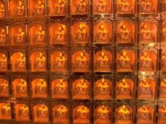 Thousands of miniature statues inside Guan Di Temple