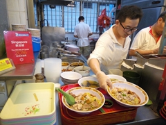 Hill Street Tai Hwa Pork Noodle stall - a Michelin starred hawker stall!
