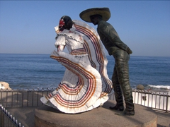 A statue of Spanish dancers located on Puerto Vallarta's malecon