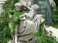 Vine covered statue at La Recoleta Cemetery