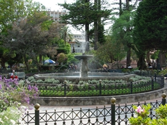 Water fountain in the middle of Park Abdon Calderon