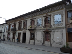 Pretty building on Calle Larga