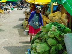 An elderly indigenous woman at the Gualaceo market