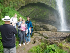Bob snaps a picture of the girls; El Chorro
