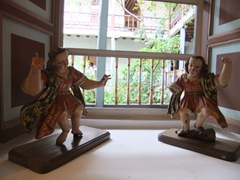 Wooden figurines on display at the Museo del Monasterio de las Conceptas