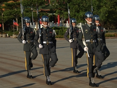 Every hour on the hour from 9 to 5 pm, there is a solemn changing of the guard ceremony at the Martyrs' Shrine in Taipei