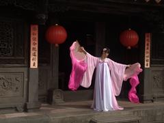 Model posing at Lin An Tai historical house