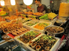 Seafood galore at budget prices; Shilin night market
