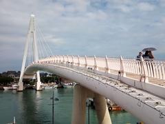 Tamsui Lovers' Bridge