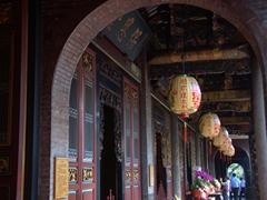 Lanterns at Bao'an Temple