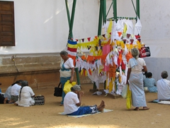 Devotees worshipping at Ruwanwelisaya; Anuradhapura