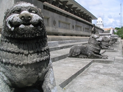 Lions guarding Independence Square in Colombo