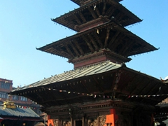 The 5 storey pagoda of Kumbeshwor is one of the oldest temples in Patan Durbar Square. Built in 1392 and dedicated to Lord Shiva (the only other 5 storey pagoda in Kathmandu Valley is Bhaktapur's Nyatpola)