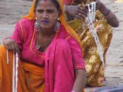 Aggressive jewelry vendors; Jaisalmer Fort