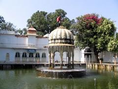 Fountain at the Saheliyon-ki-Bari garden; Udaipur