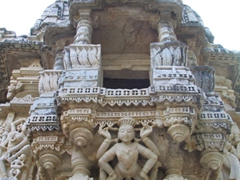 Exterior carvings of Ranakpur's temples
