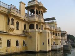 Gangaur Ghat's architecture; Lake Pichola