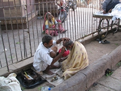 Street side barber; Sardar Marketplace; Jodhpur