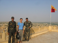 Becky befriends some Indian soldiers; Jaisalmer Fort