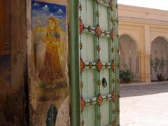 Colorful doorway; Jodhpur fort