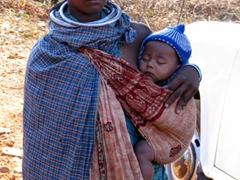 Bonda tribal woman with child