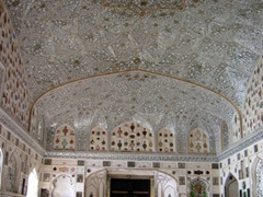 The Chamber of Mirrors section of the Amber Palace is not be be missed!