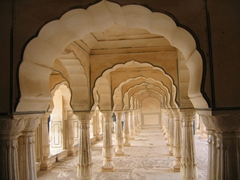 View of the 27 colonnades of the Diwan-i-Am (Public Audience Hall) of the Amber Palace