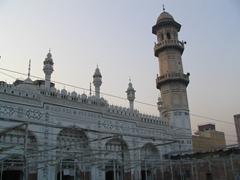 Exterior of Mahabat Khan Mosque