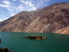 A closer look at Lake Sadpara...boating trips and fishing is possible if you are so inclined