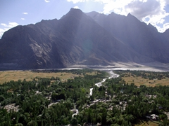 We read it was possible to hike up to the top of some rocks above Shigar fort for a fine view of the valley