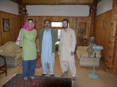 We take a photo with Shigar's King (doesn't he look comfy in his PJs and flip flops?)