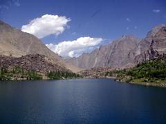 It was a bit tricky hiking down to Kachura Lake
