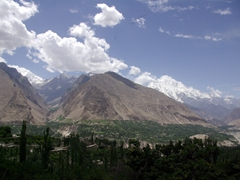 We finally reach the fabled Hunza Valley (Karimabad)