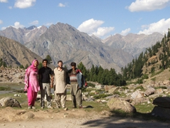 A group photo as we take a breather on our hike up to Rama Lake