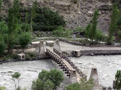 River crossings are few and far between along the jeep road linking Chitral to Shandur