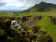 It was a brilliant morning when we started the Fimmvörðuháls hike, a legendary 25KM hike from  Skógar to Thórsmörk