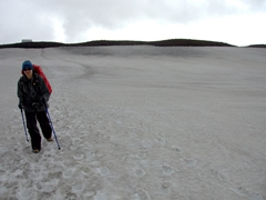 Becky tackling the snowy field in between the glaciers of Eyjafjallajökull and Mýrdalsjökull